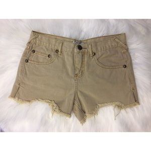 Free People light wash cut off shorts | Size 26